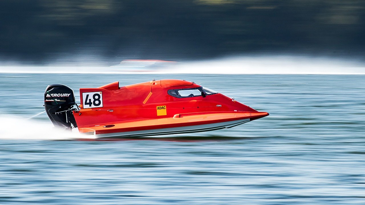 powerboat-2784250_1280
